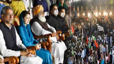 Photo of PM Khan criticises PDM for holding 'jalsas' amidst rising COVID cases.