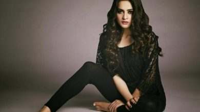 Photo of Hottie Minal Khan revealed a devastating health scare of her father