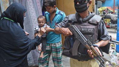 Photo of Policeman protecting polio workers shot dead in Karak