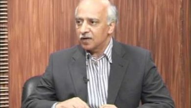 "Photo of Imtiaz Gul bids farewell to PTV citing ""sycophantic"" conditions"