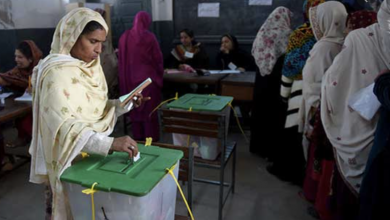 Photo of NA-75 RO admits that presiding officers involved in rigging