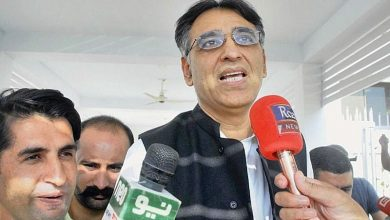 Photo of Asad Umar left embarassed after trying to take credit for Pakistan's vaccine import