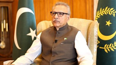 Photo of President Alvi signs ordinance allowing overseas voting rights, EVM use
