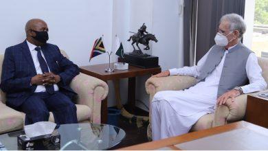 Photo of South African envoy meets Defense Minister Pervez Khattak