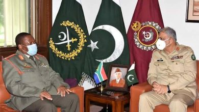 Photo of Chief of South African National Defence Forces calls on COAS Bajwa, discusses regional security situation