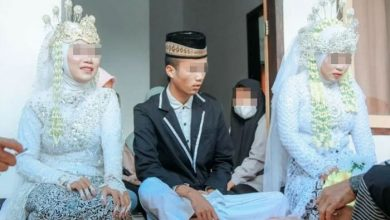 Photo of Indonesian man marries girlfriend & fiance simultaneously after gf's surprise entry