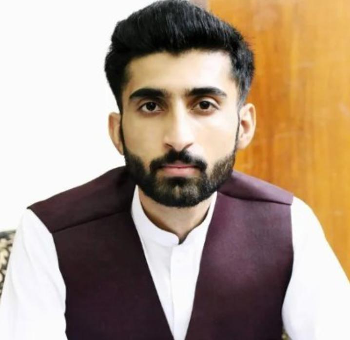 Photo of Moazzam Ishaq