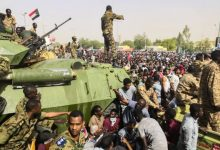 Photo of Sudan's PM and other leaders detained in apparent coup attempt
