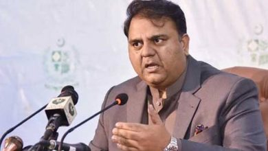 Photo of Fawad Ch takes notice of Shoaib Akhtar's 'insult' on PTV Sports